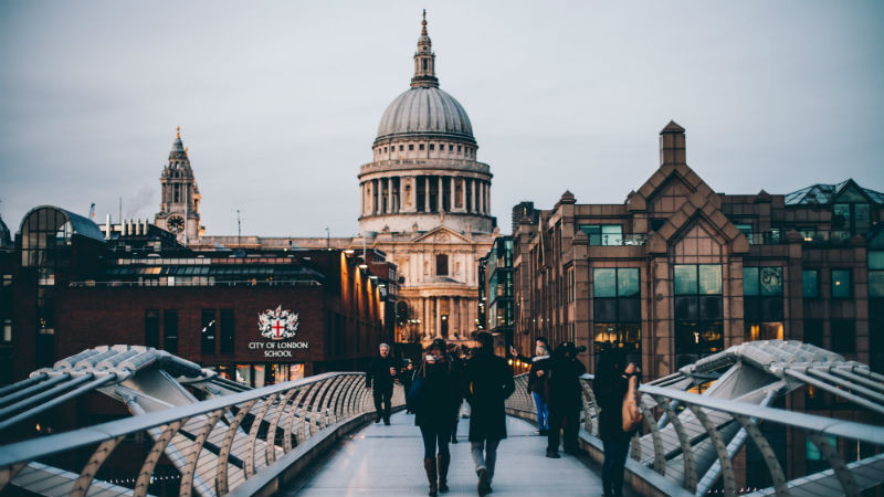 grandparents-trip-to-london-st-pauls-cathedral.jpg